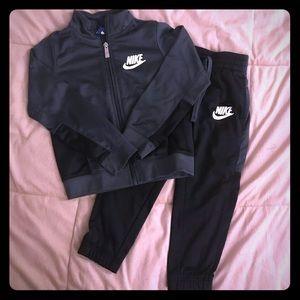 Toddler boy Nike sweatsuit